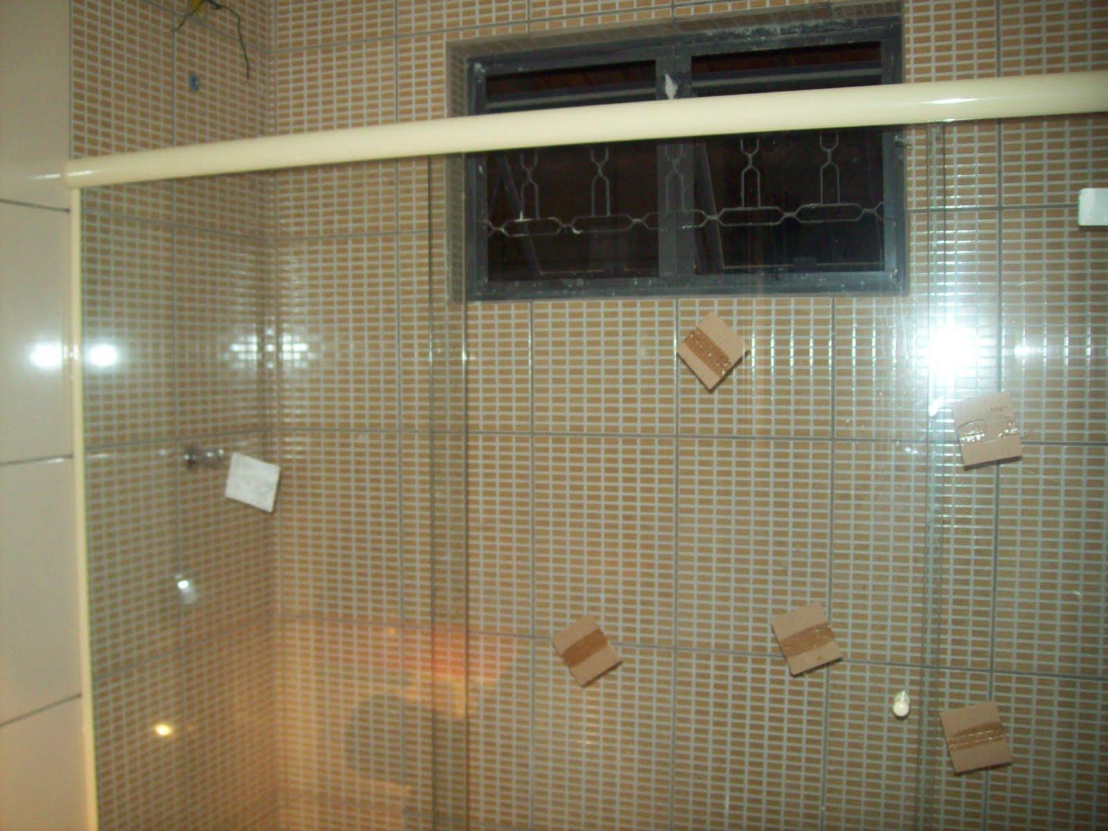 Junho 2010 Simples Assim  #836B48 1600x1200 Banheiro Branco Com Rejunte Escuro