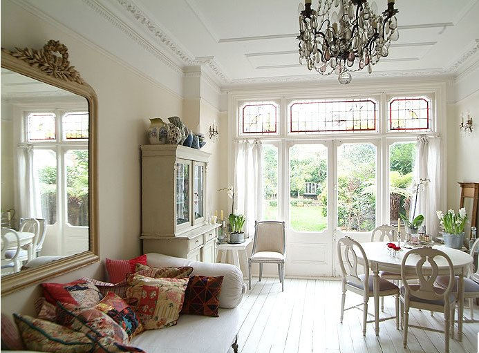 A modern interior design based on the Edwardian style