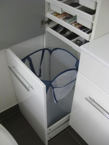 Ikea hack besta vattern a ade al caj n sin frente una for Mueble para ropa sucia