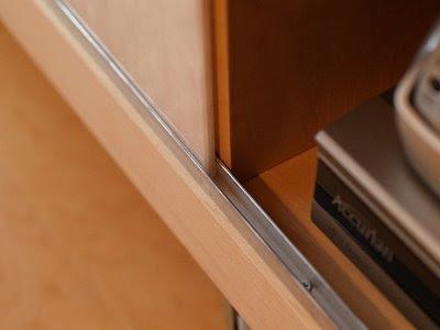 Ikea hack unas puertas correderas para el mueble de la - Como poner una puerta corredera ...