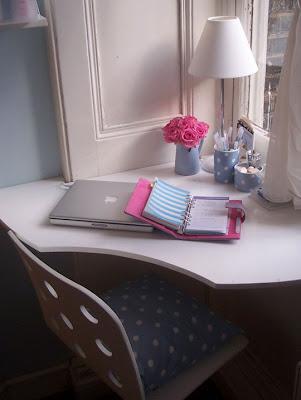 Espacios reducidos un escritorio en la esquina - Escritorio en esquina ...