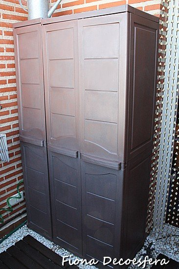 Pintar el armario de resina de la terraza for Armarios terraza ikea