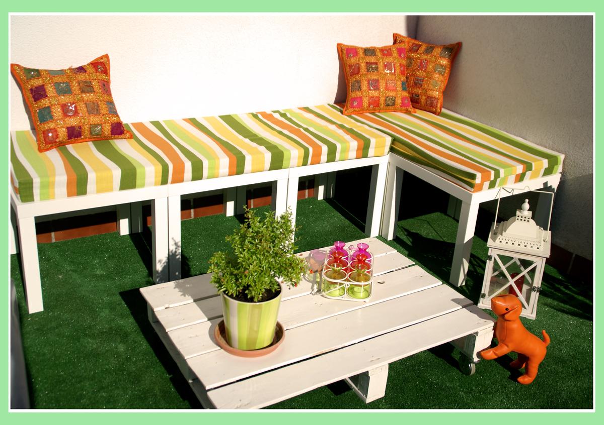 el banco de terraza de haruki con mesas lack