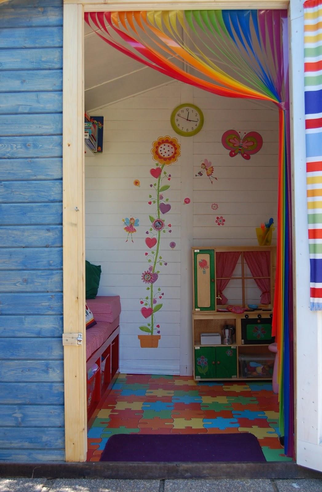 La casita de cuento de las hijas de sara for Caseta jardin brico depot