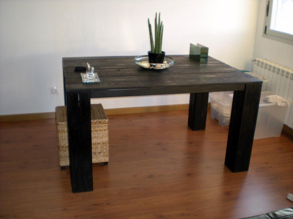 La mesa de comedor de palets de carlos - Como hacer una mesa de ordenador ...