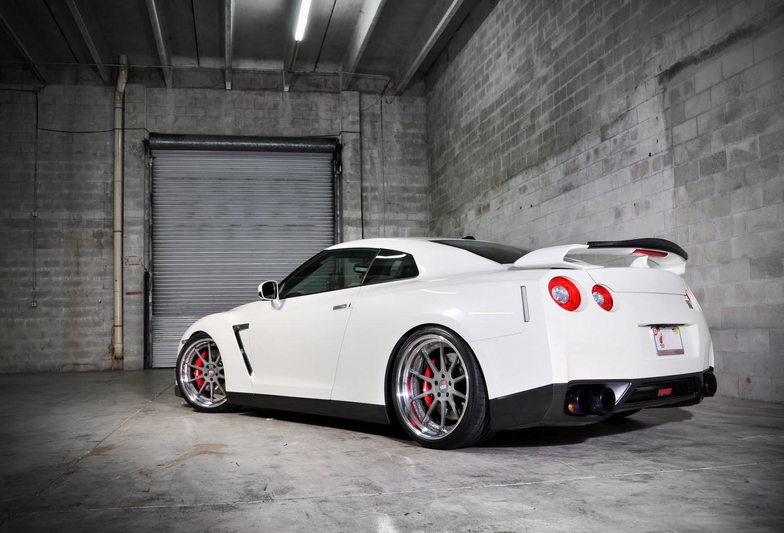 Awesome White R35 Gtr