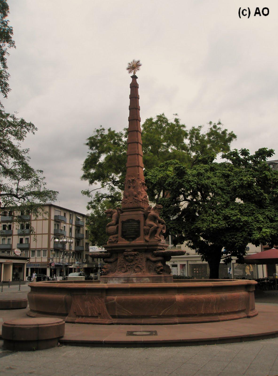 Fuente en la plaza liebfrauenberg frankfurt de main for Liebfrauenberg frankfurt