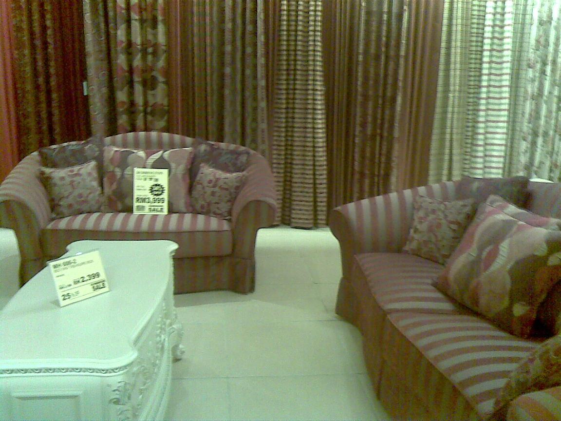 Misi mencari perabot sofa.hehehe