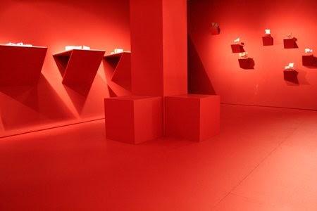 red interior design | yummy raw kitchen