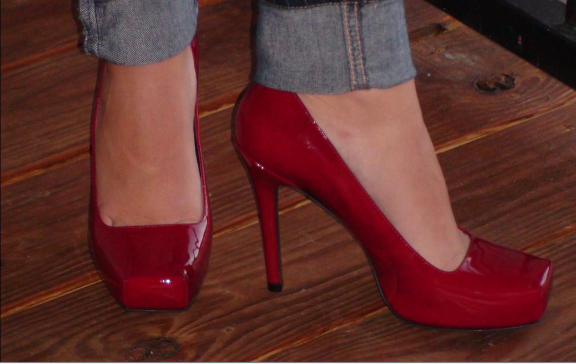 Gianni Bini Red Shoes