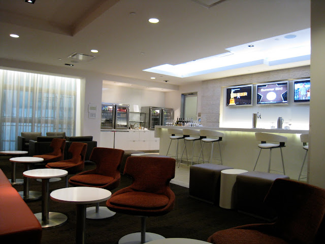 LAX oneworld lounge