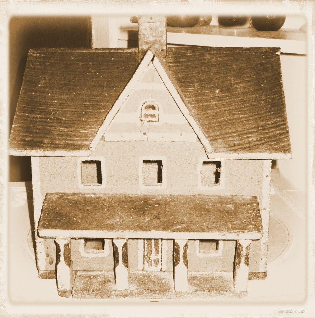 [miniaturehouse.jpg]