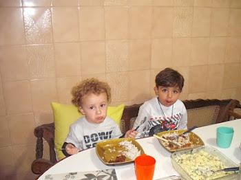 Meus netinhos Igor e Enzo!