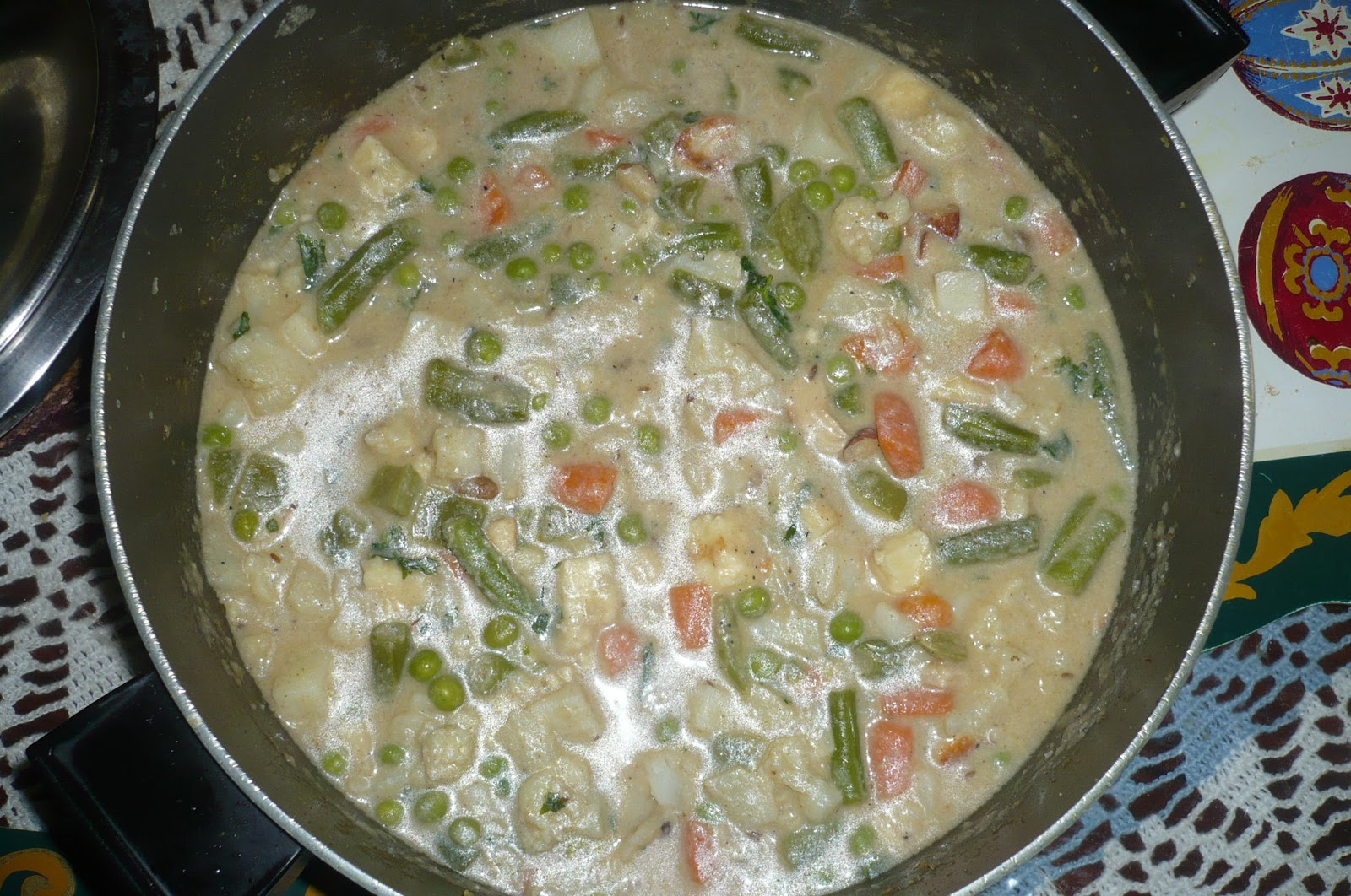 My Desi Blog: Vegetable Navratan Korma