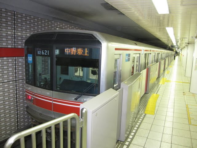 東京メトロ丸ノ内線 中野坂上行き1 LED(終電1本運行)