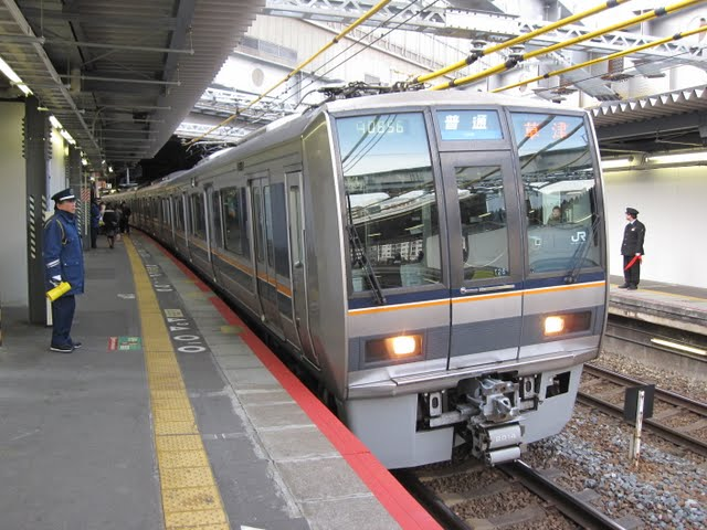 JR京都線 普通 草津行き 207系(平日2本運行)