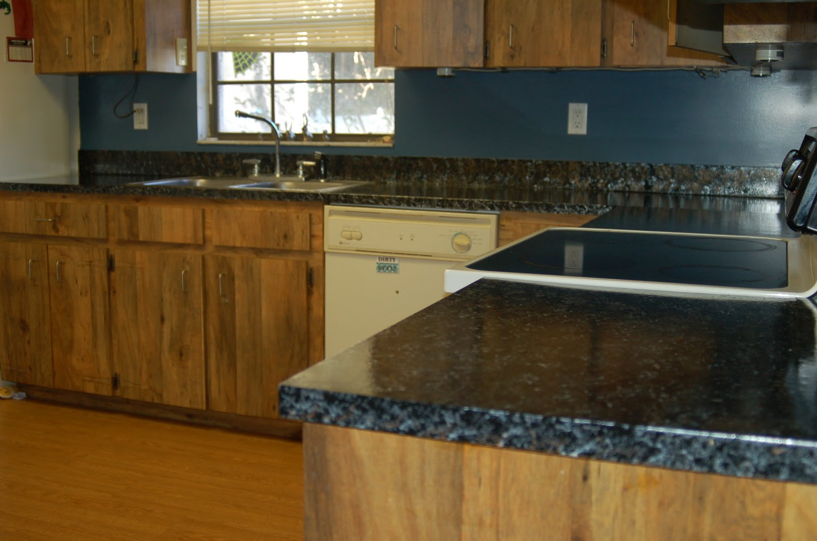 Giani Countertop Paint At Lowes : Giani Granite Paint Review! Remodel on a Budget! - Surviving A ...