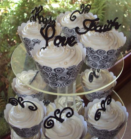 Delana\'s Cakes: Wedding Cupcakes (Black and White theme)