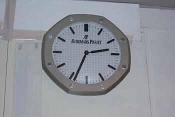 Jam di Fasilitas Umum