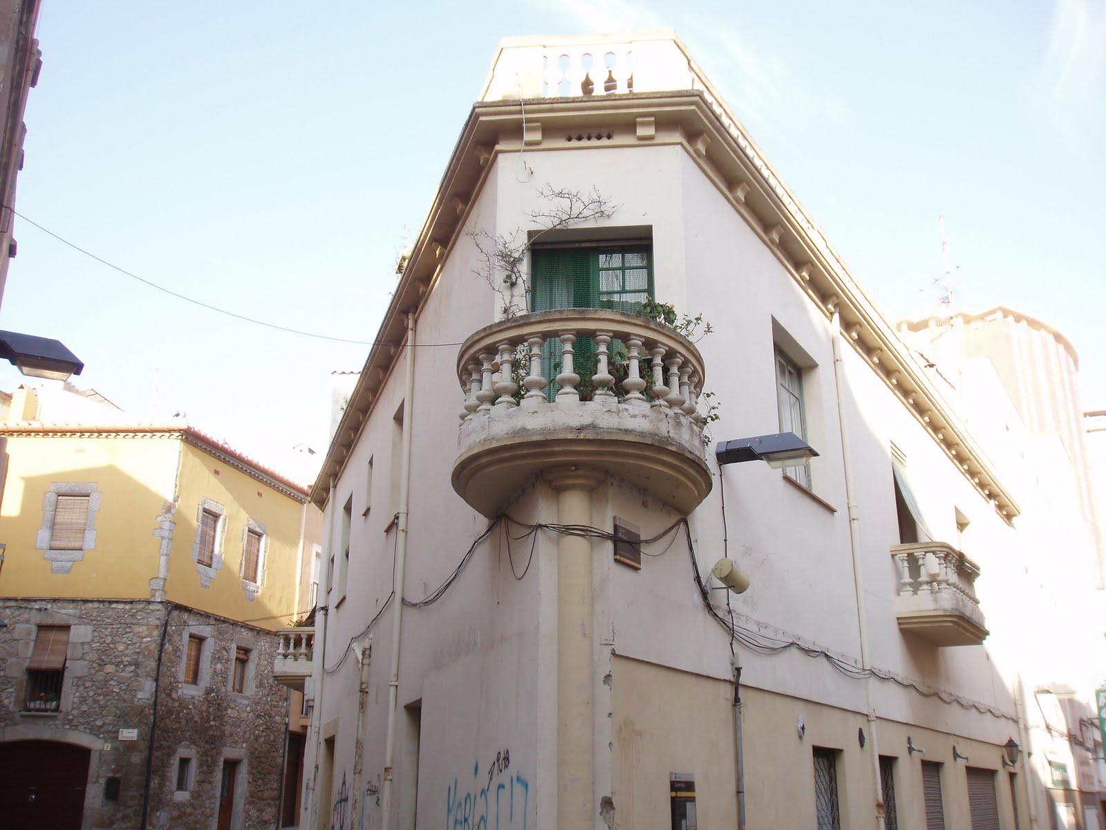 Balcones con encanto aprovechando una esquina - Balcones con encanto ...