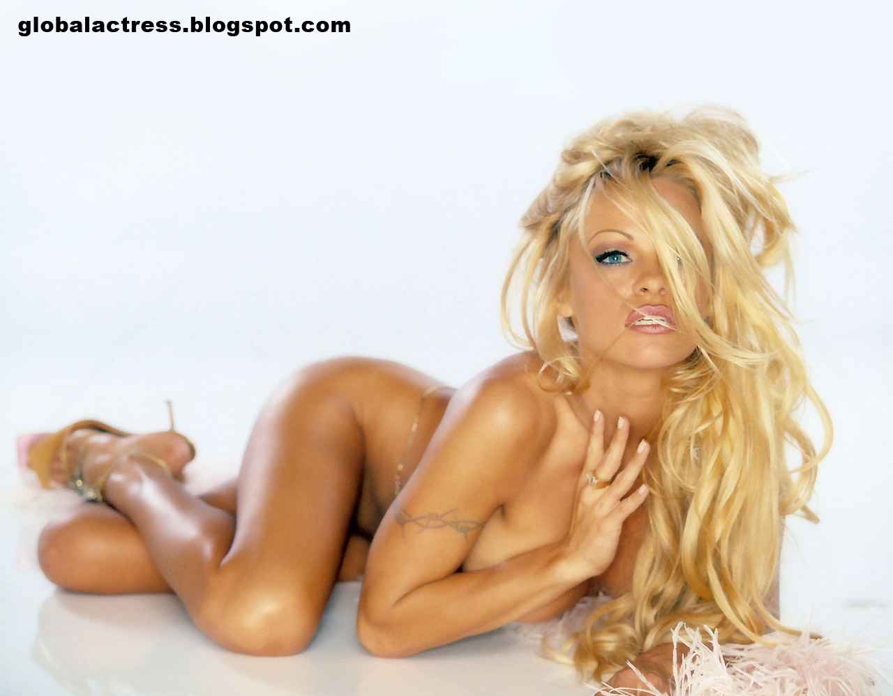 pamela anderson 10 Friday 17th at 22.30   Elle Pharrell   Sexy Santa After Party ** Nude Show * ...