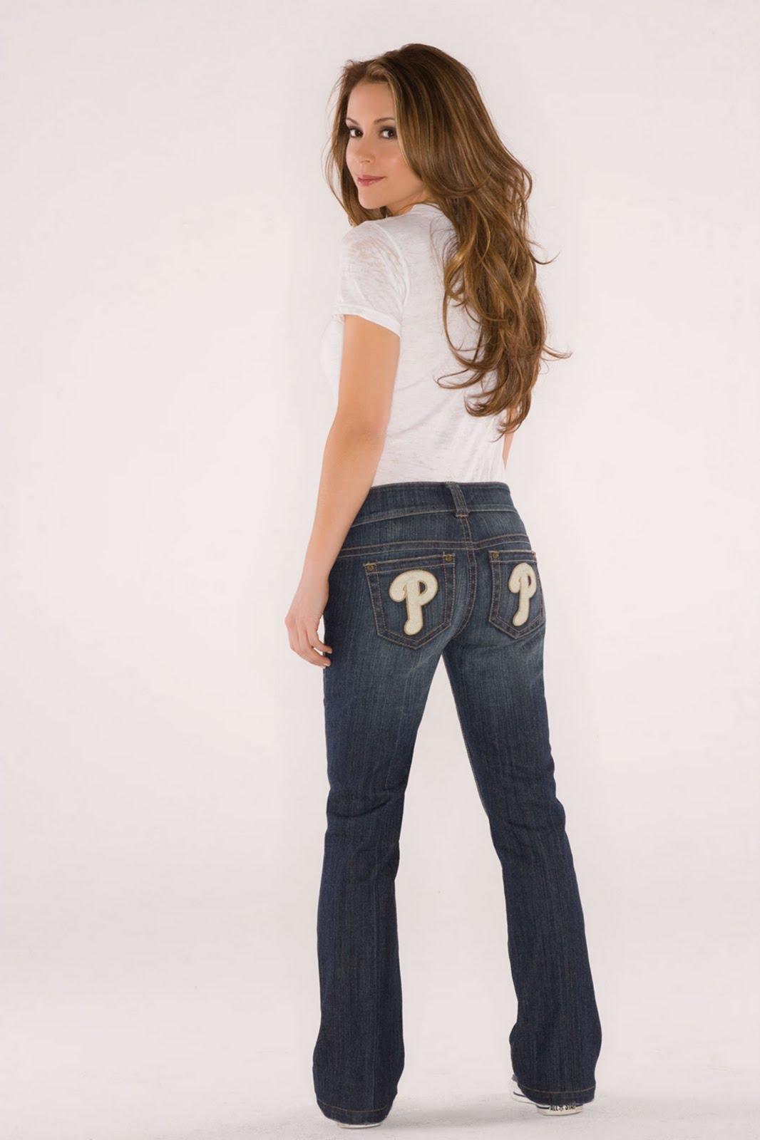 http://1.bp.blogspot.com/_zbsfJpJk1lA/S70ygVDgFFI/AAAAAAAAI38/0JXZoSlOOf8/s1600/alyssa_milano_crush_wear_4.jpg