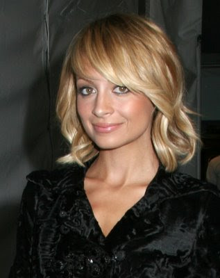 blonde hair red highlights. londe hair highlights on