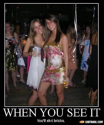O que tem errado nessa foto?