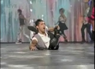 America's Got Talent semifinals finals performance dancing breakdancing Septmeber 8 2009 contortionist Hairo Torres screencaps images photos pictures video screengrabs capture prom high school