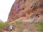 Vid Ayers rocks monolitvägg