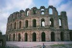 Colosseum - ofullbordat i staden El Jem i södra Tunisien