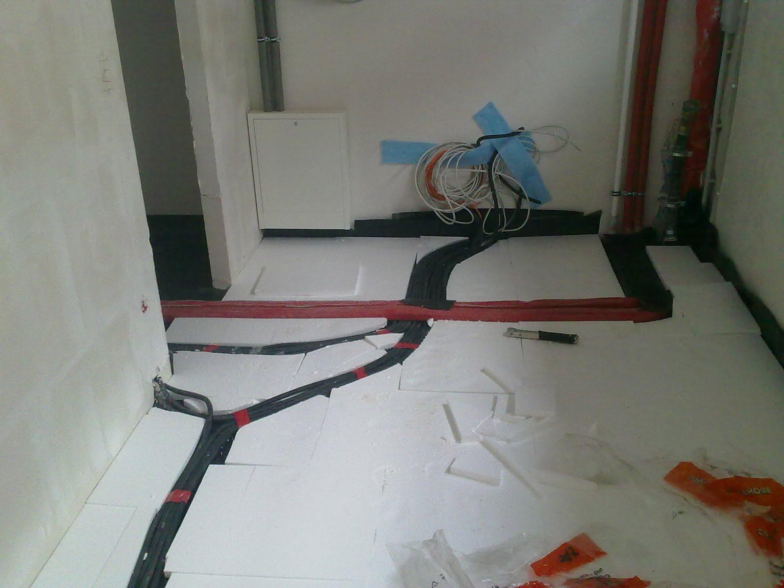 bautagebuch von carolin und j rgen d mmung und tackerplatten sind verlegt. Black Bedroom Furniture Sets. Home Design Ideas