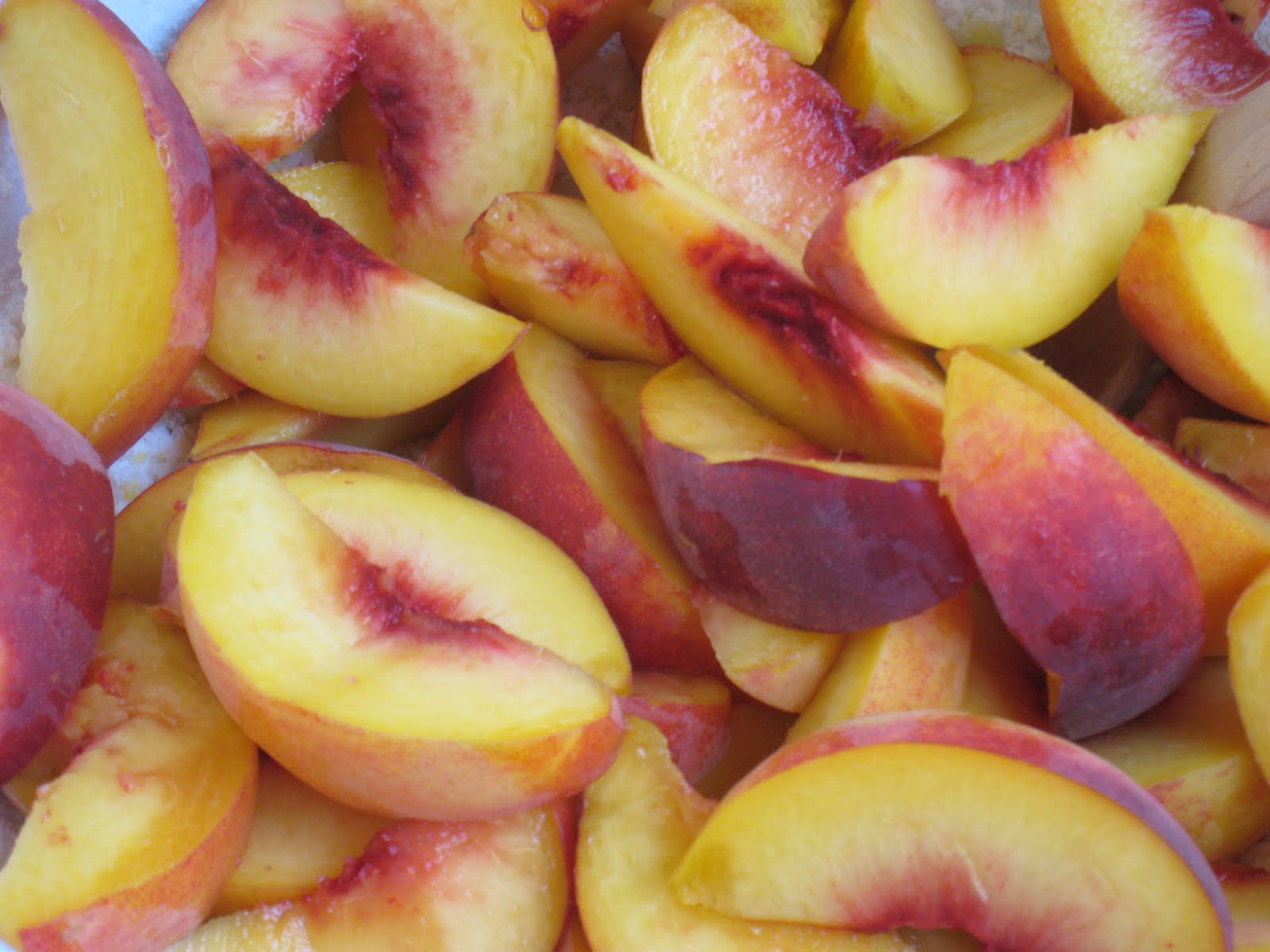 Crown Kabinky: Honey-Glazed Peach Tart with Mascarpone Cream