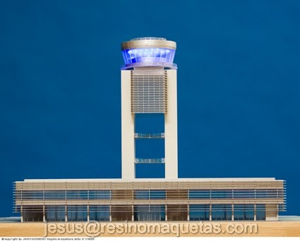 Resino maquetas torre de control or n argelia for Oficinas bbva toledo