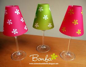 Quer aprender a fazer luminárias de papel utilizando taças de vinho como base? Clique aqui!