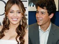 Miley Cyrus e Nick Jonas: Anel de compromisso