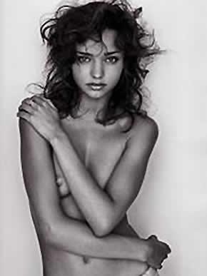 Foto de Miranda Kerr de topless