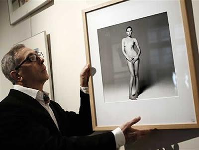 Foto de Carla Bruni nua será leiloada em Paris