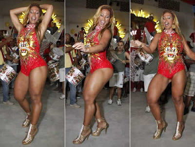Valesca Popozuda: figurino ousado no samba