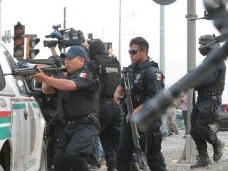 LA LINEA Z BELTRAL LEYVA AZTECAS VALENCIA CONTRA EL CHAPO Poliscias-11ago