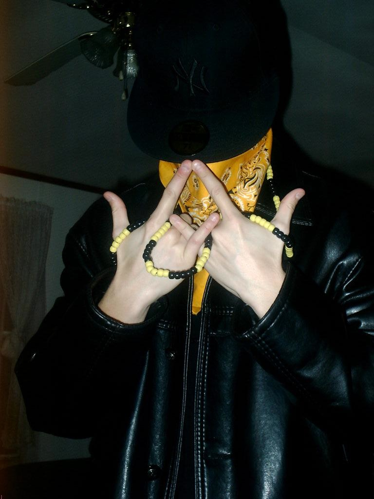 latin king hand sign - photo #3