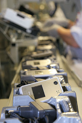 شوفوا التكنولوجيــــا  صور مصنع موبايلات نوكيـــا   فى فنلنـــدا 2010 14