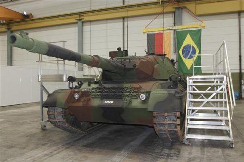 Chegam o 6º lote  de blindados do Projeto Leopard