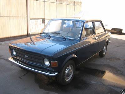 Just A Car Geek: 1976 Fiat 128 2 Door Sedan