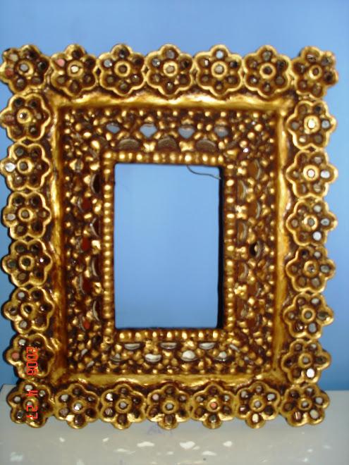 Marco en pan de oro con espejos
