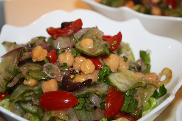 Middle Eastern Seasoned Cucumber Salad with Chickpeas, Tomatoes, Red ...