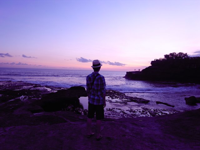 乌 鲁 瓦 图 的 日 落