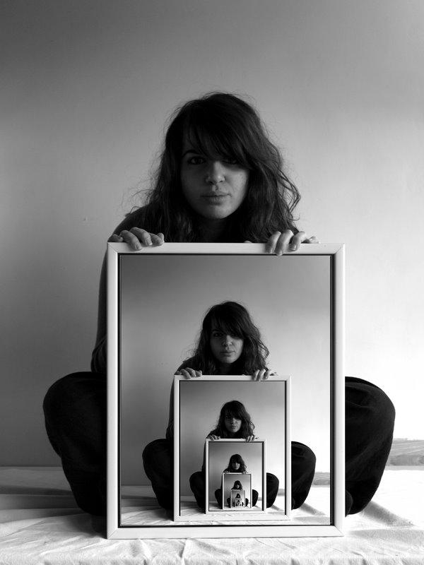Ethan clements mise en abyme for Autoportrait miroir