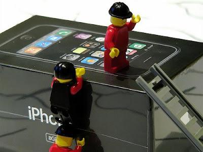 2428047511 d4613241f3 Lego sAttaque à liPhone en Images