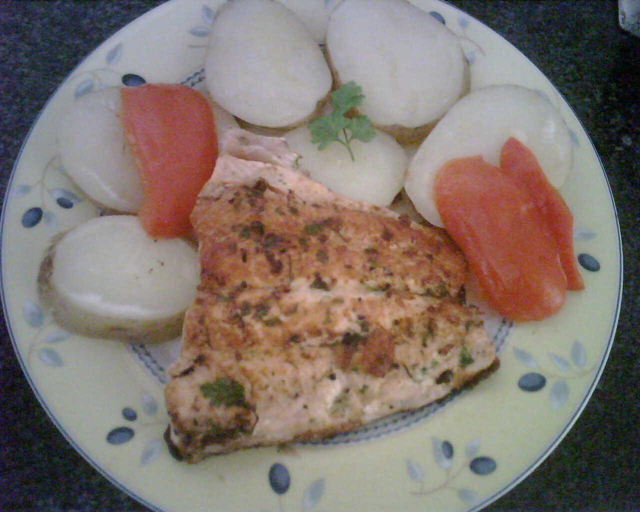 Cachelos con salm n a la plancha recetas de cocina for Como cocinar salmon plancha